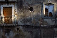 Luz (Julien Rode) Tags: city couleurs lisbonne mur portfolio portugal rue streetphotography urbain ville