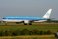 PH-BZO (PlanePixNase) Tags: amsterdam ams eham schiphol planespotting airport aircraft klm boeing 767 b763 767300