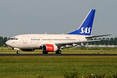 LN-RPG (PlanePixNase) Tags: amsterdam ams eham schiphol planespotting airport aircraft boeing b736 737 737600 sas scandinavian
