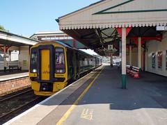 158766 Paignton (6) (Marky7890) Tags: gwr 158766 class158 expresssprinter paignton railway devon rivieraline train