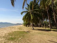Kampot Kep coast (mrcharly) Tags: cambodia cambodja coast kep angkoul beach
