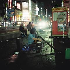 DH000003 (Architecamera) Tags: film lomo800 snap color street people night shinjuku