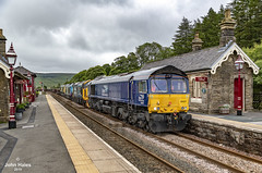 66427, 37401, 68022 and 66511 at Garsdale on 22 Jul 19. (John_Hales) Tags: ribblehead rail railway train trains settle carlisle class66 drs locomotive bleamoor networkrail cumbria yorkshire garsdale