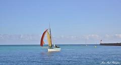 Cap Sizun - Bretagne (jean-paul Falempin) Tags: sémaphore mer voiliers capsizun baie finistère brittany