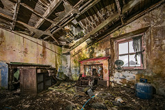 Inside a Derelict Croft - South Uist (Craig Hannah) Tags: derelict abandoned croft southuist outerhebrides decay building derelectbuilding scotland craighannah july 2019 photography photos canon cottage home