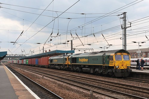 66594 and 66563 at Doncaster, 17.7.2019
