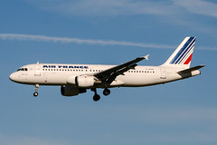 F-GHQK (PlanePixNase) Tags: amsterdam ams eham schiphol planespotting airport aircraft airfrance airbus 320 a320