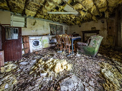 Derelict Thatched Croft - South Uist (Craig Hannah) Tags: derelict abandoned croft southuist outerhebrides decay building derelectbuilding scotland craighannah july 2019 photography photos canon cottage home