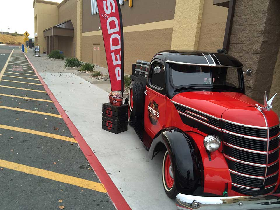 Redds-Apple-Ale-Truck-at-Walmart-in-Reno-NV-11 (1)