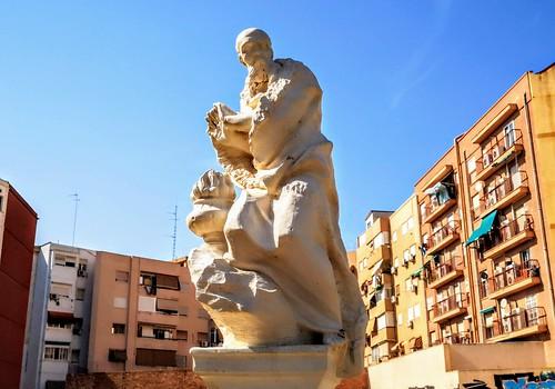Patraix recupera las esculturas de Ponzanelli que estaban en el antiguo Huerto de Pontons