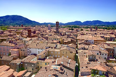 The city of Lucca - Italy (part of Tuscany) (kubrt89) Tags: canon eos 77d tuscany italy lucca city architecture roofs 1740mm