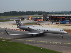 N253DV Gulfstream G550 (G550 Aviation LLC) (Aircaft @ Gloucestershire Airport By James) Tags: luton airport n253dv gulfstream g550 aviation llc bizjet eggw james lloyds