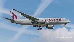 A7-BFM   Boeing 777F  -  Qatar Airways Cargo (Peter Beljaards) Tags: ams eham nikond5500 aviationphotography nikon70300mmf4556 schiphol haarlemmermeer landing final msn62770 gege90 boeing777f b777 boeing777 cargoplane freighter airplane aircraft a7bfm qatarairways