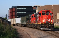 CN 4705+GTW 5850 L533 Doubleheader (soosd60) Tags: cn canadian national gp382 neenah wisconsin l533 grain chilton sub train