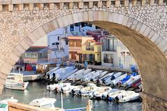 P1000050 (alainazer2) Tags: marseille provence france ville city citta eau acqua water architecture bâtiment pont bridge bateau boat