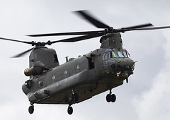 Chinook (Graham Paul Spicer) Tags: boeing ch47 chinook helicopter heavy airlift transport cargo assault raf military royalairforce jointhelicopterforce jhf support riat airtattoo tattoo ffd fairford raffairford airfield aircraft plane flying aviation display airshow uk