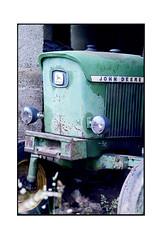 Vieux tracteur (JJDuvoisin) Tags: canon al1 135mm ektar
