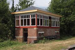 Seinhuis Treignes (Peter Van Gestel) Tags: chemin de fer vapeur des trois vallees cfv3v viroin val treignes lijn ligne 132