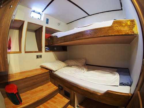Atoll cabin 5 _ 6 Lower Deck Twin