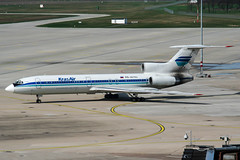 RA-85702 (PlanePixNase) Tags: hannover aircraft airport planespotting haj eddv langenhagen tupolev t154 tu154 154 krasair