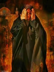 Horrores de la Guerra (Luis Bermejo Espin) Tags: africa travel asia islam guerra horror oriente siria irak surrealismo magreb conflictos genocidio víctimas destrucción orientemedio musulmanes islamismo orientepróximo islamicwomen mujeresmusulmanas luisbermejoespín limpiezaetnica mundoislámico víctimasdelaguerra mundoenguerra woman women mujeres ilustración composición desplazados refugiados surrealista mujeresdelmundo mujeresárabes