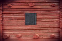 Black hatch (E. K. Andréasson Photo) Tags: blackhatch black hatch red barn log logbarn folkmuseum old rural farm architecture carpentry wood bjästa nätra ångermanland sweden