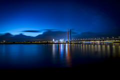 When the night begins (Iso_Star) Tags: düsseldorf samyang 14mm nacht brücke bridge himmel sky wolken clouds lichter rhein river langzeitbelichtung sony ilce7m3 samyangaf14mmf28 lights kirmes city stadt blauestunde bluehour