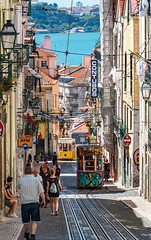 _DS20846 - The Bica Funicular (AlexDROP) Tags: 2019 portugal lisboa lisbon europe art travel architecture color cityscape urban city people nikond750 afsnikkor28300mmf3556gedvr best iconic famous mustsee picturesque postcard