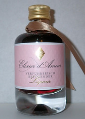 Elexir d'amour (luc1102) Tags: bottle alcohol drink hobby collection miniature