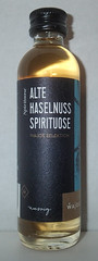 Alte Hazelnuss spirituose (luc1102) Tags: bottle alcohol drink hobby collection miniature