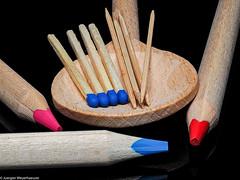 Macro Mondays - Made of wood (J.Weyerhäuser) Tags: farbstifte hmm holz kochlöffel macromondays madeofwood zahnstocher wood