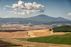 IMGP9604ValdOrcia (rwscholte) Tags: italy tuscany toscana colour clouds landscape valdorcia pentaxk1 28105mm rwscholte light shadow