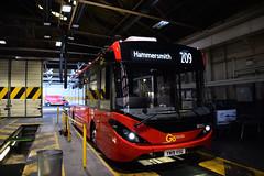 Go-Ahead London SE293, Putney Bus Garage (e400olympus) Tags: goahead london se293 yw19vsg adl alexander dennis enviro 200 mmc e200mmc e20d