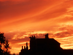 Winchester Sunset, 06.07.19 (catrionatv) Tags: hampshire winchester trees houses chimneys aerials clouds sky sunset