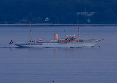 The Danish Royal Yacht Dannebrog passed by late tonight (frankmh) Tags: ship motoryacht royalyacht dannebrog öresund