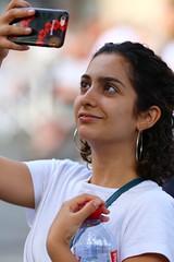 Selfie (SchoonbrodtB) Tags: street portrait photo streetportrait portraitderue anonymous people fille girl féminin latin latina selfie mobile shilling happy face
