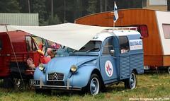 Citroën 2CV AK350 (Wouter Bregman) Tags: uj11 citroën 2cv ak350 besteleend citroën2cv 2pk eend geit deuche deudeuche 2cv6 van utilitaire bestelwagen bestel wagen fourgonnette blue bleu butagaz célébrationcentenairedecitroën 2019 lafertévidame 28 eureetloire eure et loire france frankrijk vintage old classic french car auto automobile voiture ancienne française vehicle outdoor
