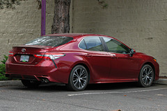 2018 Toyota Camry (mlokren) Tags: explored in explore 2019 car spotting photo photos photography picture pictures pacific northwest pnw pacnw oregon usa automobile automotive vehicle transportation 2018 toyota camry se sedan red saloon