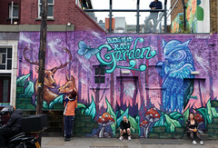 Everyday People in London (Rick & Bart) Tags: city uk urban london art canon graffiti camdentown rickbart rickvink eos70d people candid strangers streetphotography graffitiart everydaypeople