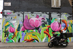 Everyday People in London (Rick & Bart) Tags: art buckstreet london uk city urban camdentown rickvink rickbart canon eos70d graffiti graffitiart everydaypeople people strangers candid streetphotography