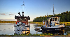 Waiting for steamboat regatta...  Time is 21:14. (L.Lahtinen (nature photography)) Tags: finland summer lake boats steamboats regatta evening