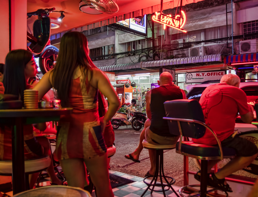The World's Best Photos of bar and soi6 - Flickr Hive Mind