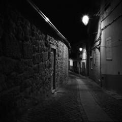 The night shepherd (lebre.jaime) Tags: portugal beira covilhã street nocturnal nightphotography house architecture analogic film120 mediumformat mf bw blackwhite noiretblanc pb pretobranco ptbw ilford delta3200 ei1600 hasselblad 500cm carlzeiss distagon cf4050fle epson v600 affinity affinityphoto squareformat