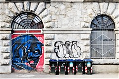 Turijn, Graffiti on quay-side River Po. (parnas) Tags: turijn torino italia graffiti riverpo quayside