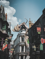 Diagon Alley (Wolvee) Tags: harrypotter diagonalley diagon allley shotoniphone potter universalstudios orlando florida 28mm iphone mobilephotography