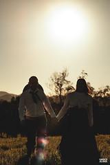 Marci & Júnior-32 (fotosdagreice) Tags: gaúcho gaudério tradicionalista tradicionalismo rio grande do sul rs brasil interior chapéu cavalo campo campana casal amor homem mulher noivos casados ensaio externo sol