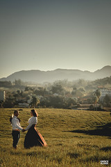 Marci & Júnior-23 (fotosdagreice) Tags: gaúcho gaudério tradicionalista tradicionalismo rio grande do sul rs brasil interior chapéu cavalo campo campana casal amor homem mulher noivos casados ensaio externo sol