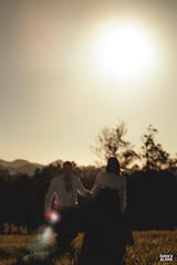Marci & Júnior-30 (fotosdagreice) Tags: gaúcho gaudério tradicionalista tradicionalismo rio grande do sul rs brasil interior chapéu cavalo campo campana casal amor homem mulher noivos casados ensaio externo sol