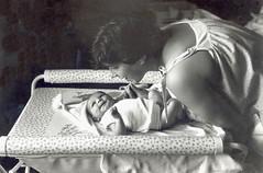 david maryse (villatte.philippe) Tags: enfant mere naissance leica m5 x trix