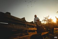 Marci & Júnior-145 (fotosdagreice) Tags: gaúcho gaudério tradicionalista tradicionalismo rio grande do sul rs brasil interior chapéu cavalo campo campana casal amor homem mulher noivos casados ensaio externo sol